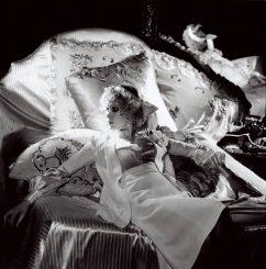 Ndikimi i Helmut Newton në modë, fotografit që theu tabutë