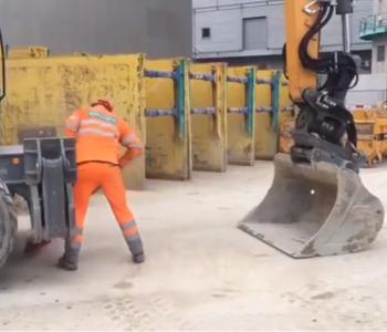 Si ka mundësi? Punëtori ngre vinçin në ajër (VIDEO)