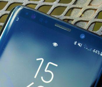 """Telefoni i shumëpritur Galaxy S10 ka një """"surprizë"""" me ekranin"""