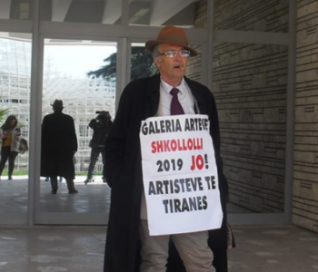 Ekspozita e parë, artisti proteston para Galerisë: Na kanë përjashtuar!