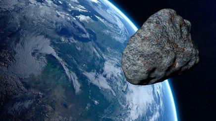 Asteroidi në madhësinë e Kullës Eifel kërcënon sot Tokën