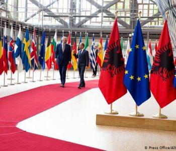 DW: Mos hapja e negociatave, çfarë rrezikon Ballkani Perëndimor