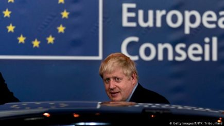 Parlamenti britanik shtyn votimin e Brexit