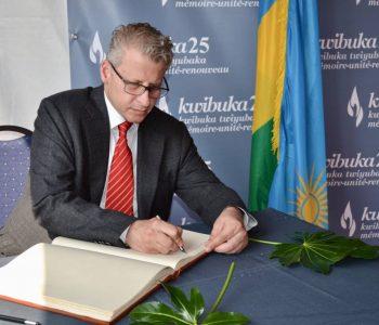 Kosova, gjenocidi në Ruandë dhe tregtarët shqiptarë të armëve