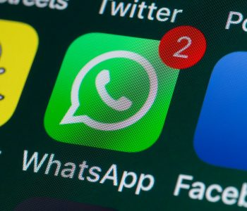 Ky shtet tarifon edhe thirrjet në WhatsApp