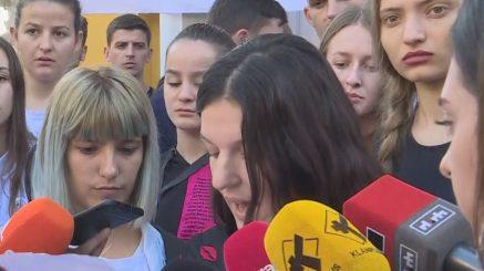 Viti i ri akademik nis me protesta para Ministrisë së Arsimit