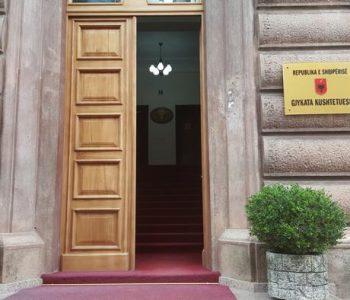 DW: Ringritja e Gjykatës Kushtetuese thellon krizën