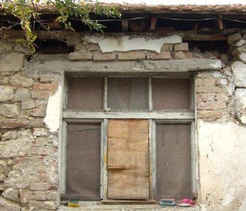 Bashkia e Tiranës lë në kasolle banorët e dëmtuar nga tërmeti