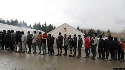 Stuhia shkatërron kampin e emigrantëve në Bosnje-Hercegovinë
