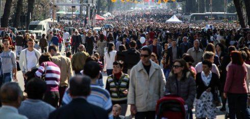 Shqipëria po shkon drejt shuarjes, shtesa natyrore e popullsisë ra 17%