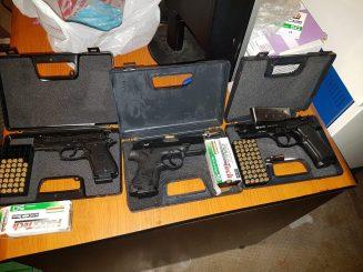 """Drogë dhe armë, forcat """"Shqiponja"""" arrestojnë tre të rinj në Shkodër (Emrat)"""