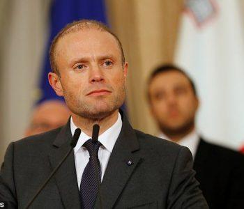 Kryeministri i Maltës jep dorëheqjen pas vrasjes së gazetares