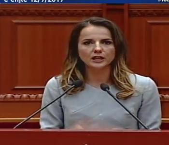 Rudina Hajdari: Qeveria lekët e konçesioneve t'i kalojë për gjendjen e emergjencës