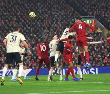 Liverpool-i nuk ka mëshirë, spektakël ndaj Manchester United