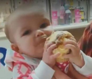 E adhurueshme, ja si reagon vogëlushja kur provon akullore për herë të parë