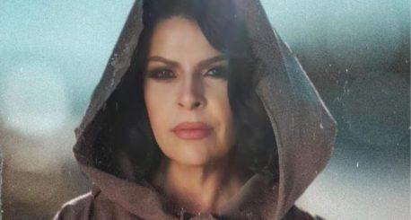 """""""Veten dua gjallë"""", Aurela Gaçe publikon këngën e re"""