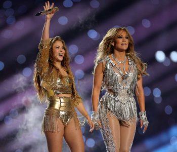 Amerikanët ngrihen kundër Shakira-s dhe Jennifer Lopez, nënshkruajnë ankesa për artistet