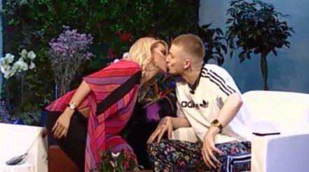 Puthja me reperin shkaktoi shumë bujë, Roza Lati tregon arsyen e atij veprimi