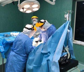 """Lajm i mirë nga """"Shefqet Ndroqi"""", një vajzë e re me koronavirus del me sukses nga operacioni urgjent!"""