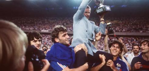 Fitoi kampionatin europian, ndahet nga jeta ish-trajneri i njohur!
