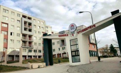 Prishtinë/ Tenton të ikë nga karantina në konvikt, ndalohet nga Policia