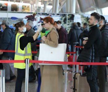 Mbërrin avioni me 120 shqiptarë të cilët ishin të bllokuar në Itali