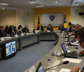 Ambasada e SHBA-së në Kosovë, kundër reciprocitetit të Qeverisë: Masat krijojnë probleme!