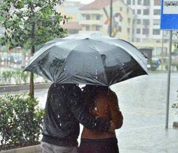 Reshje shiu deri në orët e pasdites! Parashikimi i motit sot në vendin tonë