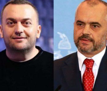 Kritikuan Aleksandër Gjokën, shpërthen Olti Curri: Zoti po qesh me ju!