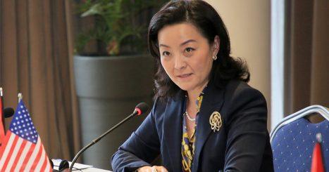 Trazoi gjithë politikën shqiptare, nuk ndalet Yuri Kim