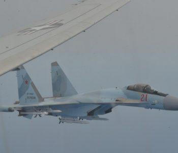 Incident ajror në Mesdhe, avioni i SHBA-ve rrethohet nga dy avionë rusë (VIDEO)