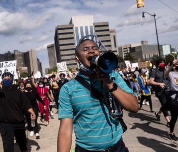 Dhunë në selinë e CNN, amerikanët kërkojnë drejtësi për vrasjen e njeriut me ngjyrë