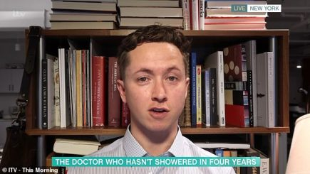 Trondit mjeku: Kam 4 vite pa u larë, nuk është e mirë për shëndetin
